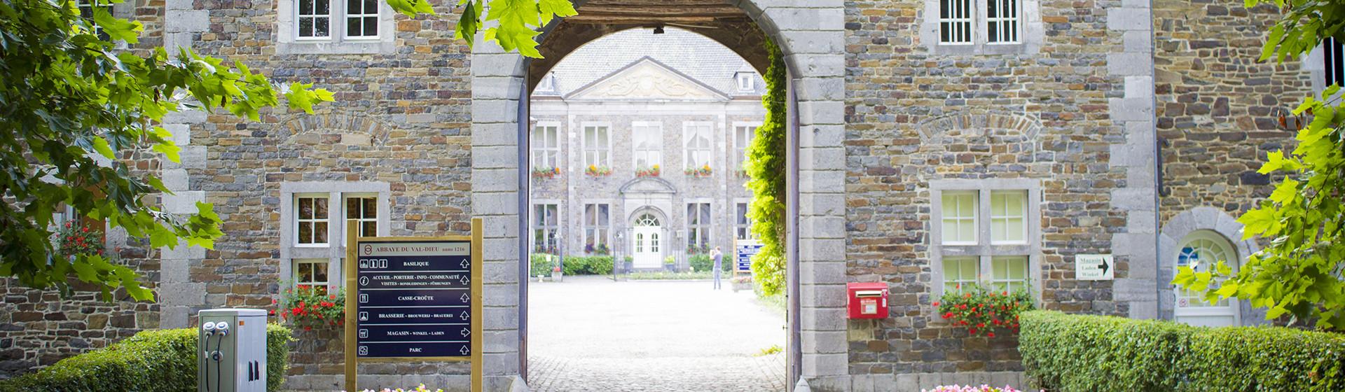 Entrée de l'Abbaye du Val-Dieu